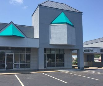 7815 N Knoxville Ave., Peoria, IL, Suite 18