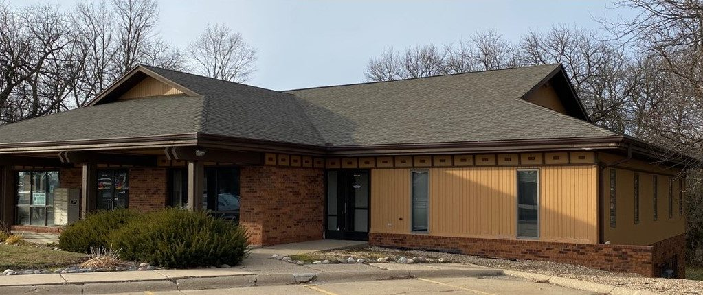 5113 N Executive Drive, Peoria, IL, Suite 100