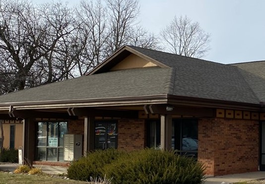5113 N Executive Drive, Peoria, IL, Suite 104